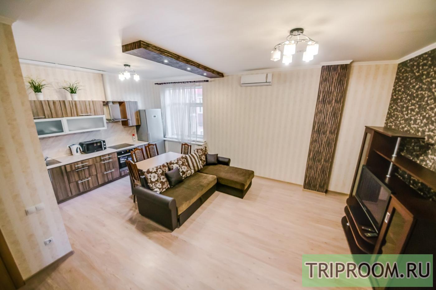 3-комнатная квартира посуточно (вариант № 23511), ул. Красноармейская улица, фото № 1