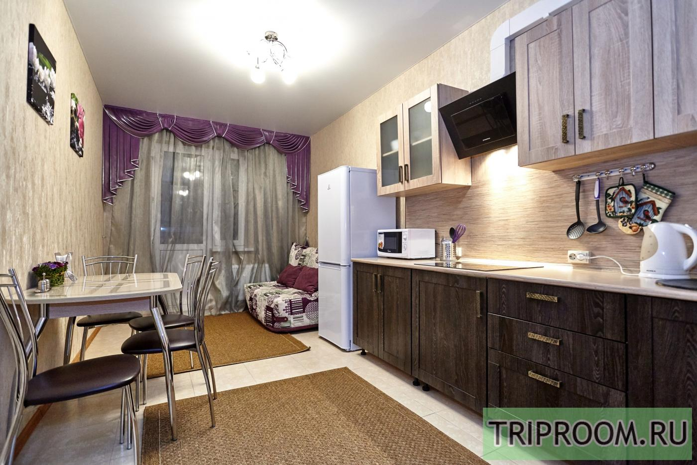 1-комнатная квартира посуточно (вариант № 6860), ул. Соколова улица, фото № 6