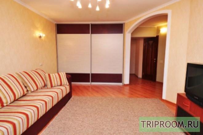 1-комнатная квартира посуточно (вариант № 206), ул. Овчинникова улица, фото № 1