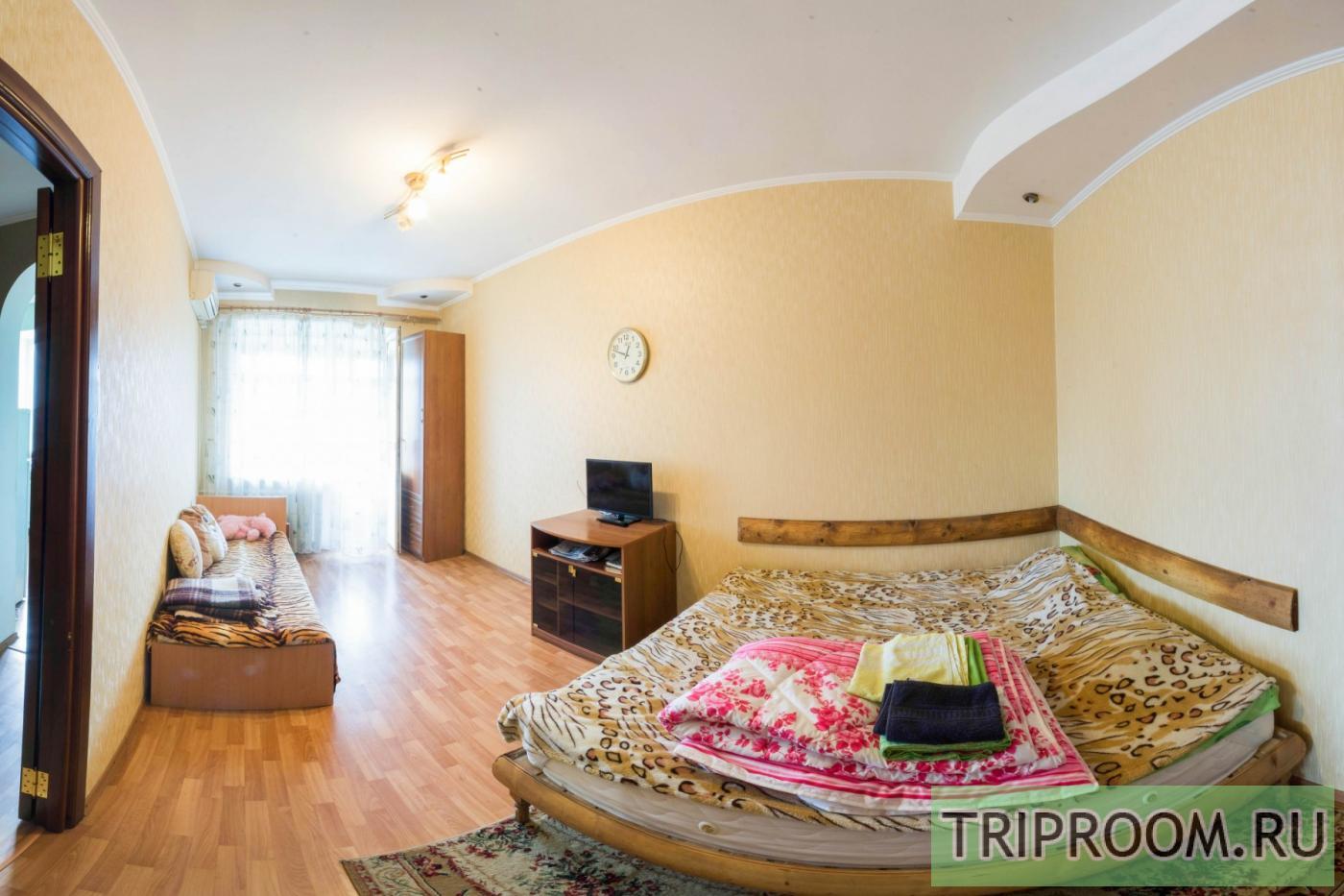 1-комнатная квартира посуточно (вариант № 19472), ул. Севастопольская улица, фото № 1