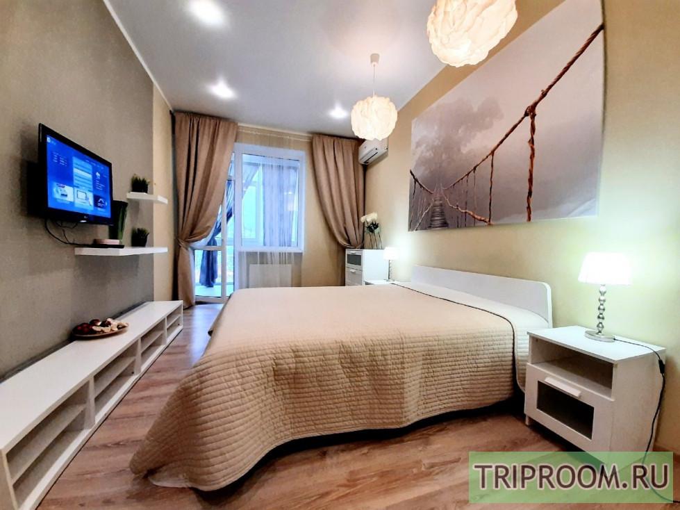 2-комнатная квартира посуточно (вариант № 10041), ул. Сенявина улица, фото № 1