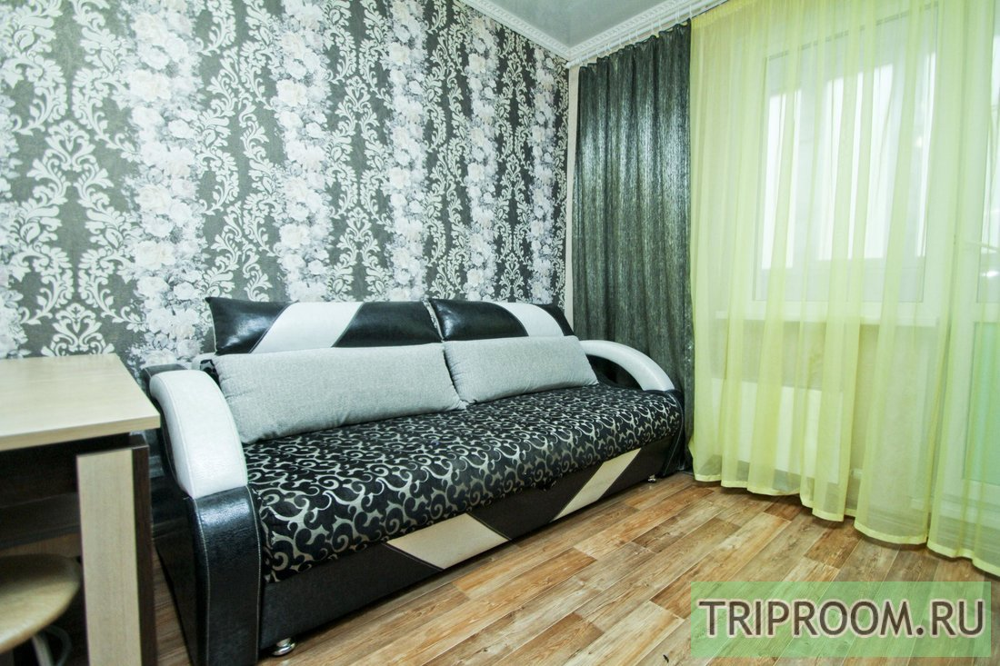 1-комнатная квартира посуточно (вариант № 61014), ул. тюменский тракт, фото № 1