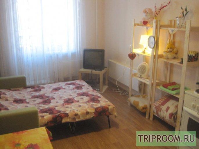 1-комнатная квартира посуточно (вариант № 44778), ул. Петухова улица, фото № 1