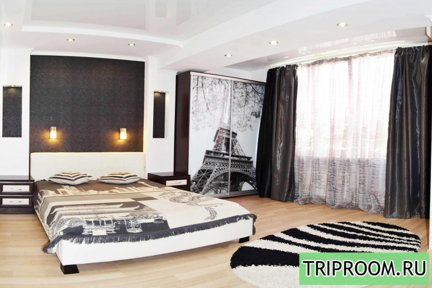 1-комнатная квартира посуточно (вариант № 720), ул. Античный проспект, фото № 1