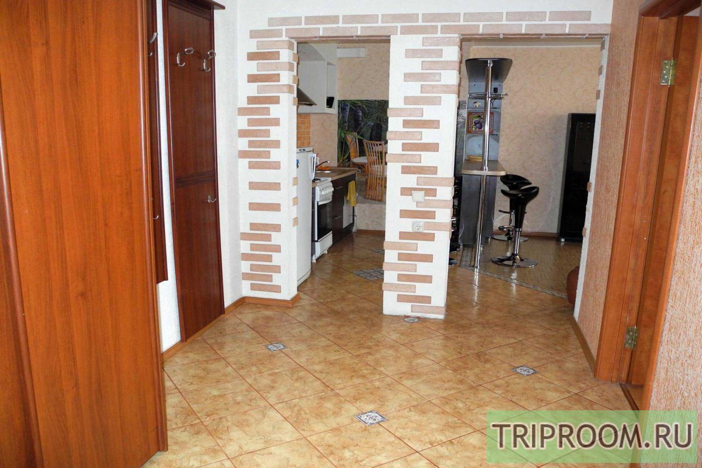 3-комнатная квартира посуточно (вариант № 9669), ул. Кольцовская улица, фото № 12