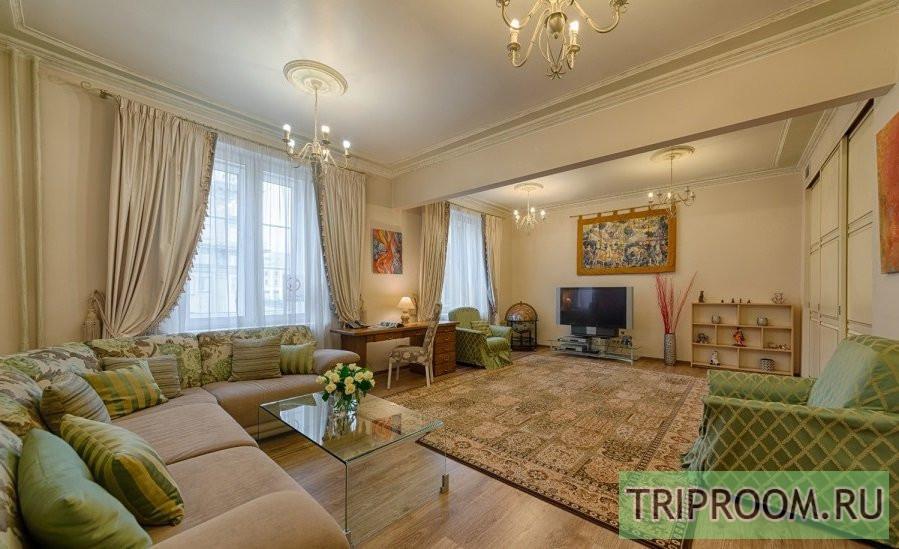 3-комнатная квартира посуточно (вариант № 69919), ул. Невский проспект, фото № 1