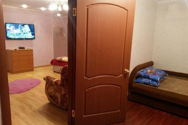 2-комнатная квартира посуточно (вариант № 3311), ул. Октябрьская улица, фото № 5