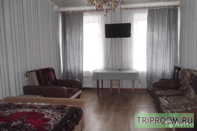 Комната в 5х-комнатной квартире посуточно (вариант № 31400), ул. Большой пр, фото № 1