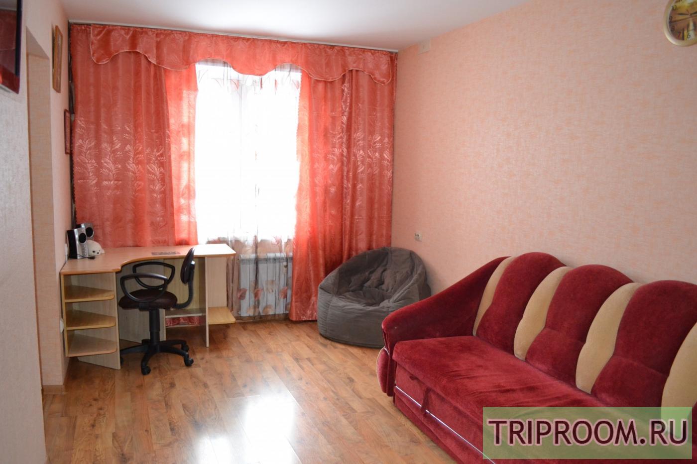 1-комнатная квартира посуточно (вариант № 10439), ул. Александра Шмакова улица, фото № 2