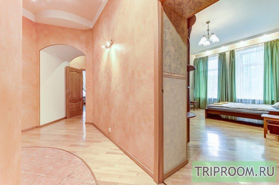 4-комнатная квартира посуточно (вариант № 55589), ул. Невский проспект, фото № 16