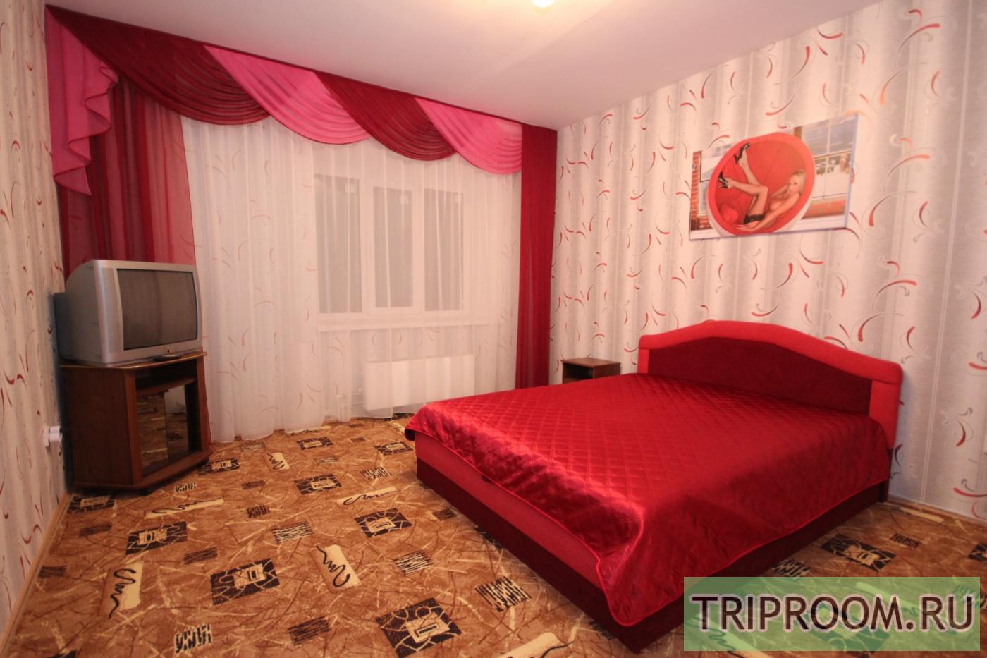 1-комнатная квартира посуточно (вариант № 1408), ул. 60 Армии улица, фото № 1