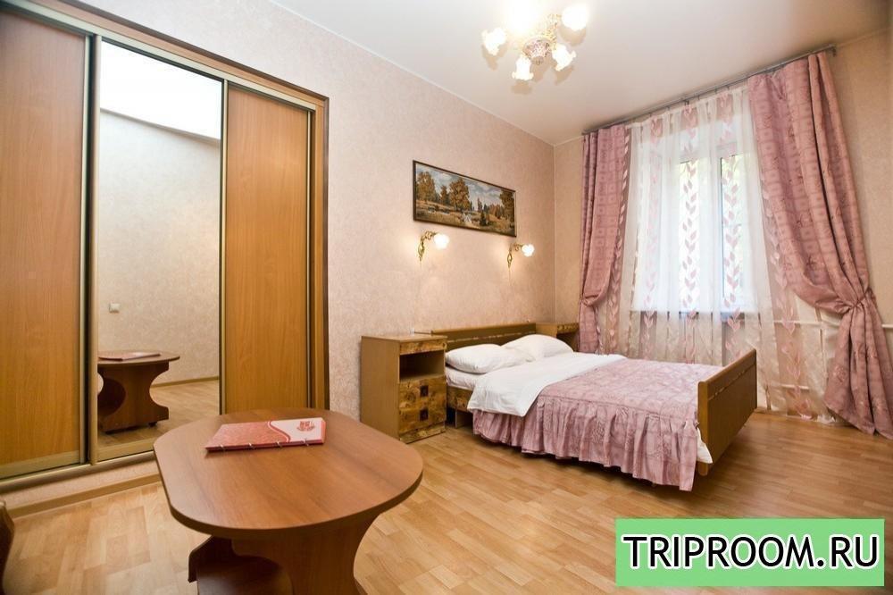 2-комнатная квартира посуточно (вариант № 15048), ул. Тимура Фрунзе улица, фото № 1