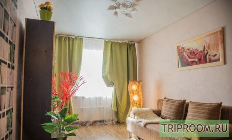 1-комнатная квартира посуточно (вариант № 47535), ул. Суворова улица, фото № 1