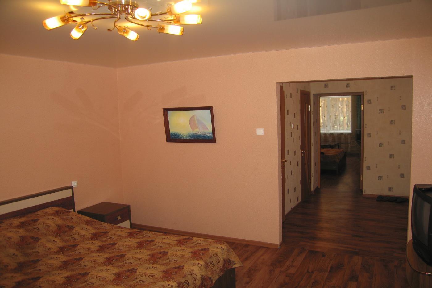 2-комнатная квартира посуточно (вариант № 2606), ул. Антонова-Овсеенко улица, фото № 2
