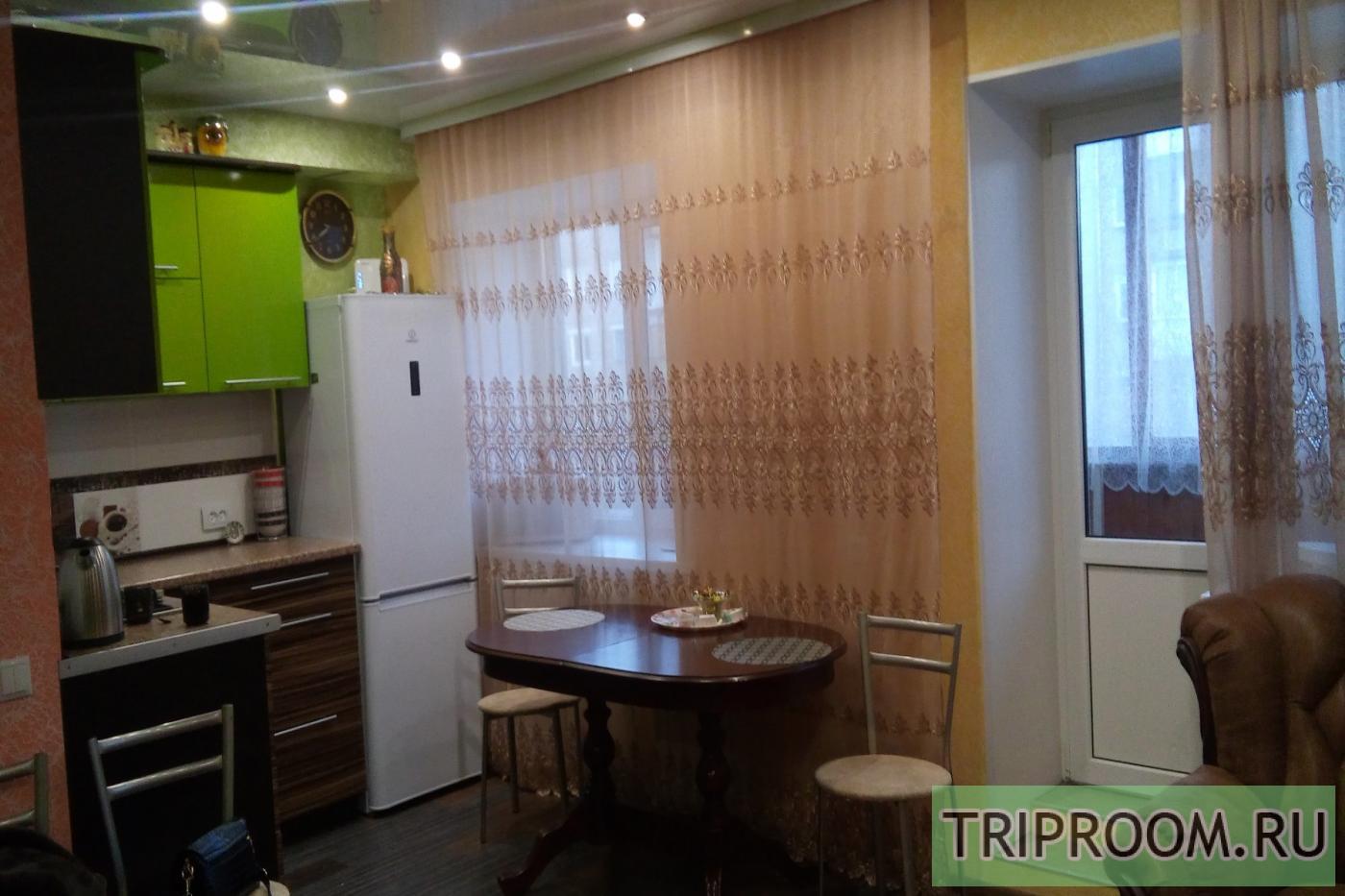 1-комнатная квартира посуточно (вариант № 21339), ул. Петропавловская улица, фото № 1