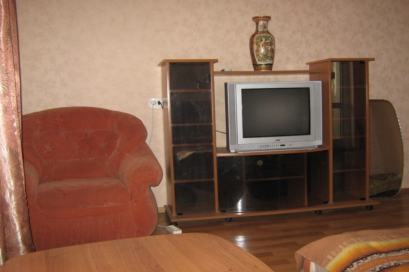 1-комнатная квартира посуточно (вариант № 1278), ул. Октябрьской Революции проспект, фото № 2