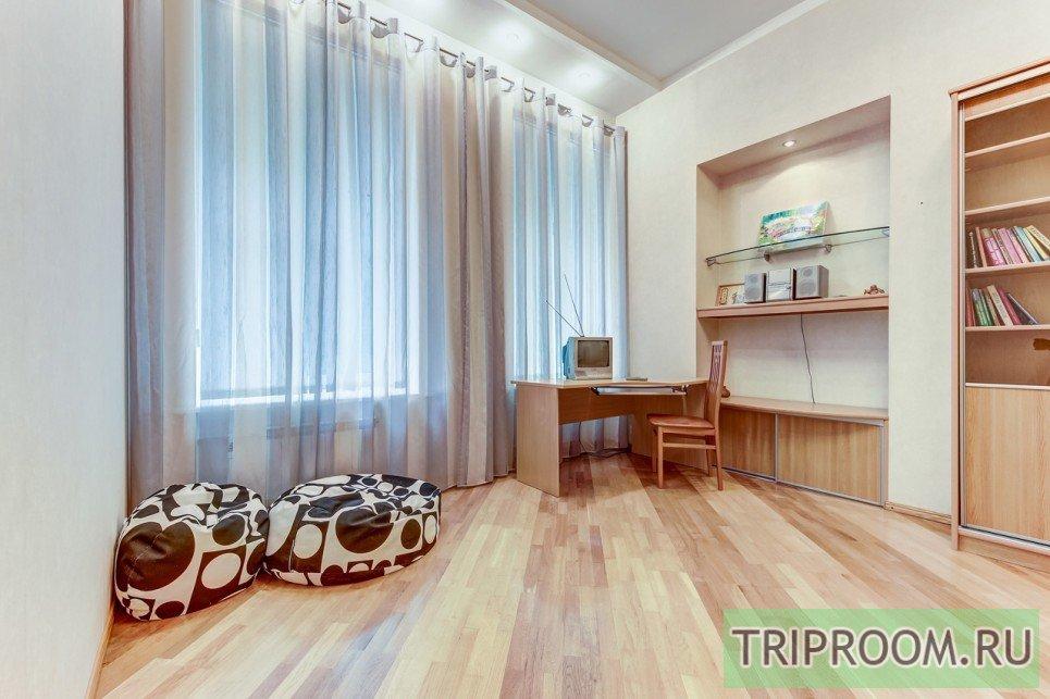 4-комнатная квартира посуточно (вариант № 55589), ул. Невский проспект, фото № 6