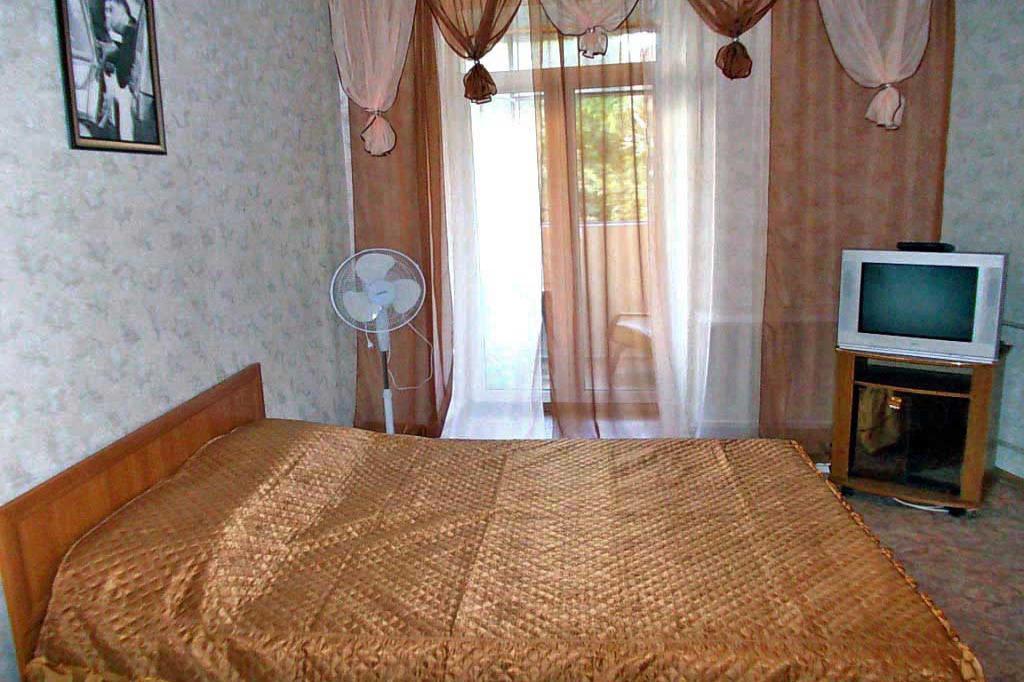 1-комнатная квартира посуточно (вариант № 3869), ул. Дзержинского улица, фото № 2