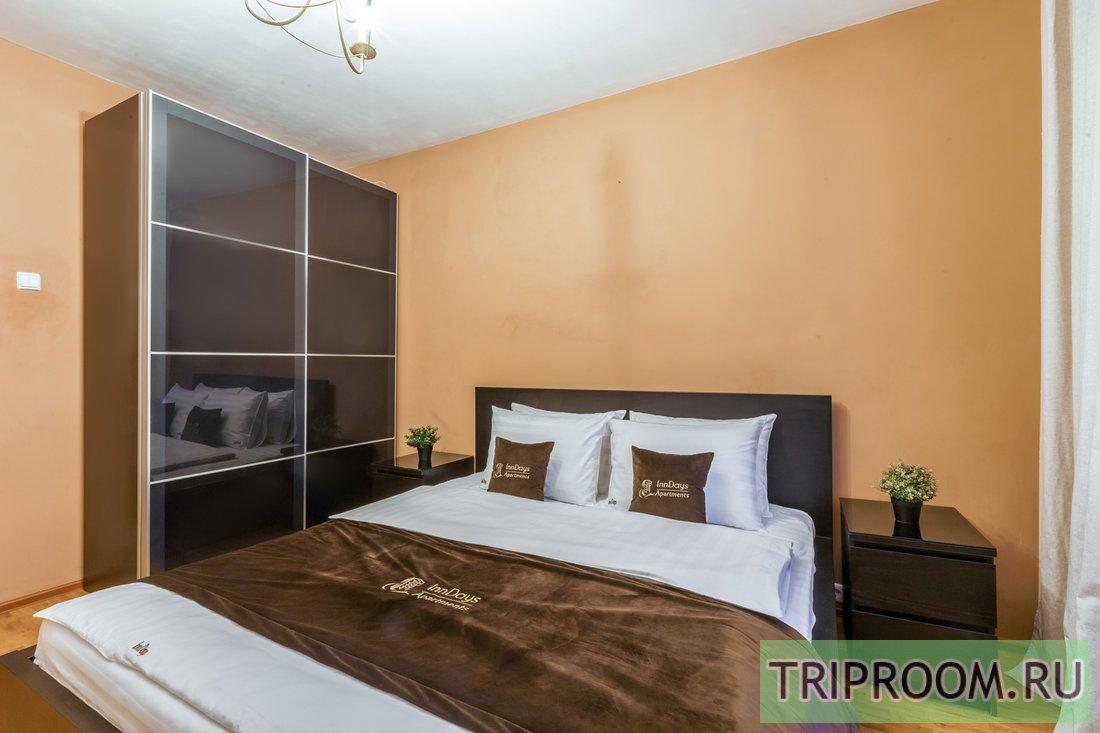 2-комнатная квартира посуточно (вариант № 61500), ул. Введенского, фото № 1
