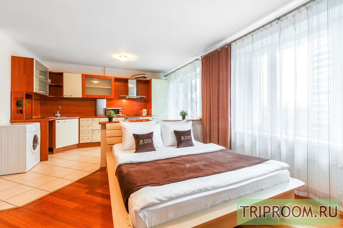 1-комнатная квартира посуточно (вариант № 7942), ул. Обручева улица, фото № 1