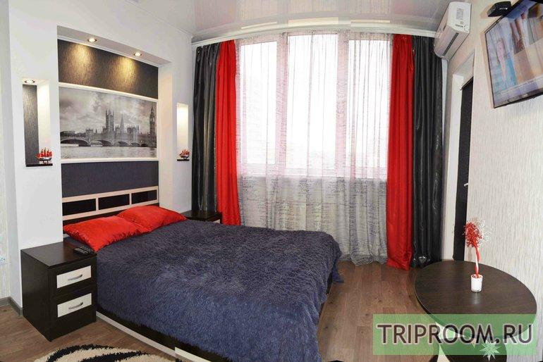 1-комнатная квартира посуточно (вариант № 4379), ул. Античный Проспект, фото № 1