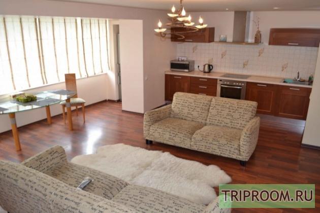 2-комнатная квартира посуточно (вариант № 7565), ул. Океанский проспект, фото № 2