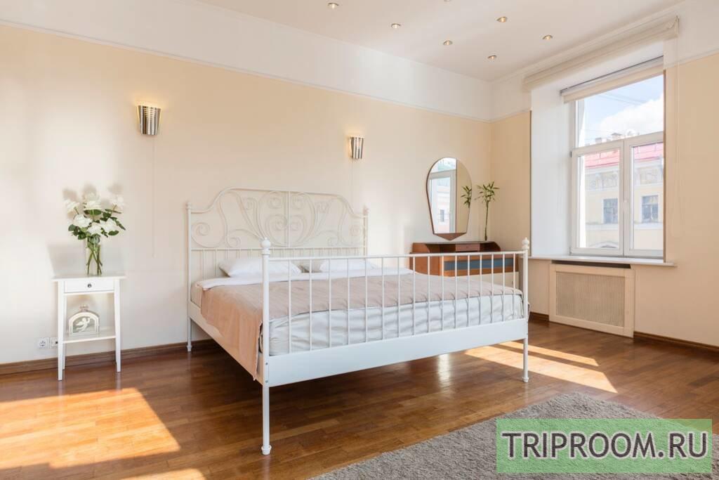 2-комнатная квартира посуточно (вариант № 68190), ул. Невский проспект, фото № 2