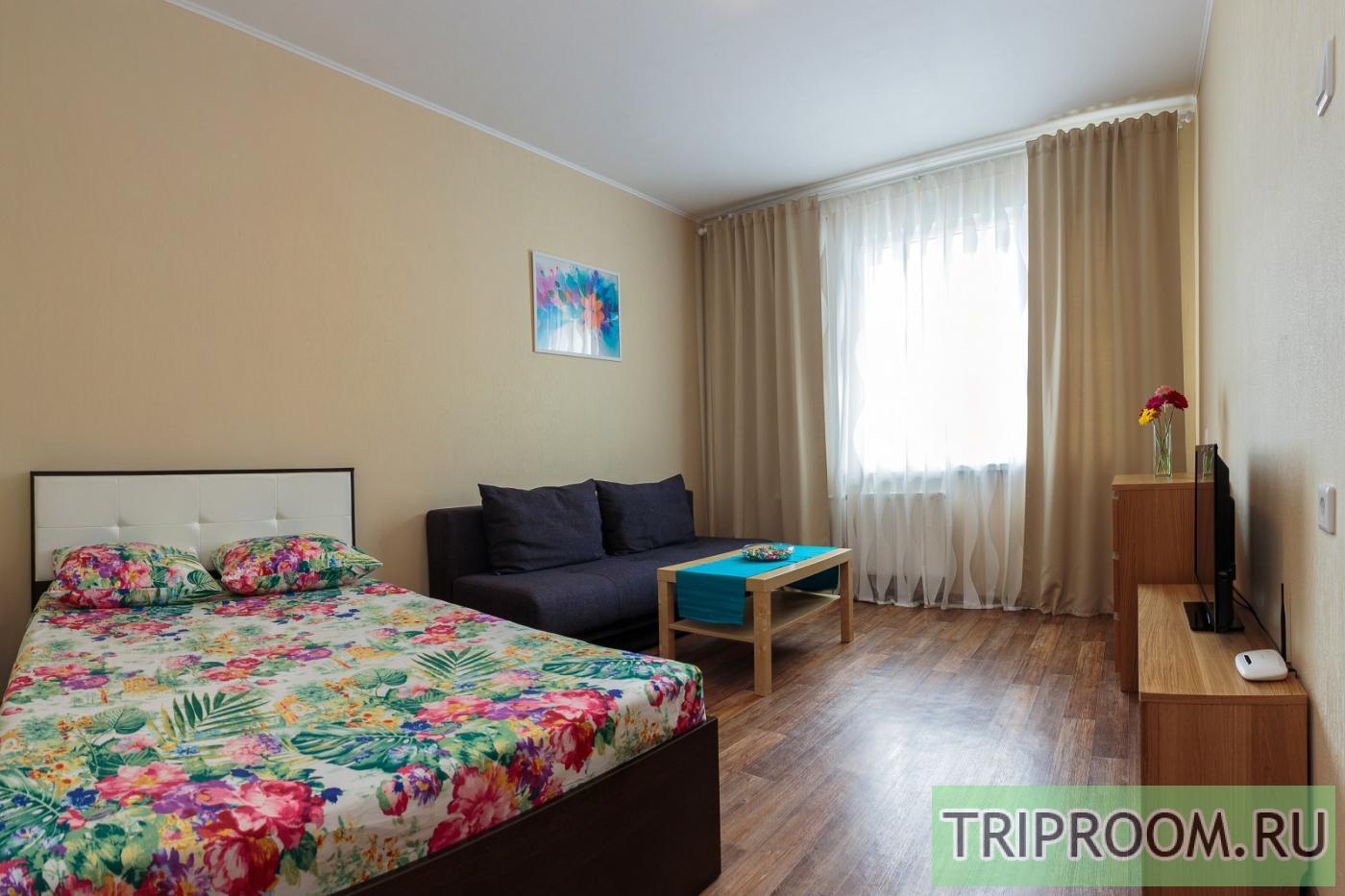 1-комнатная квартира посуточно (вариант № 16235), ул. Анатолия Мехренцева улица, фото № 1
