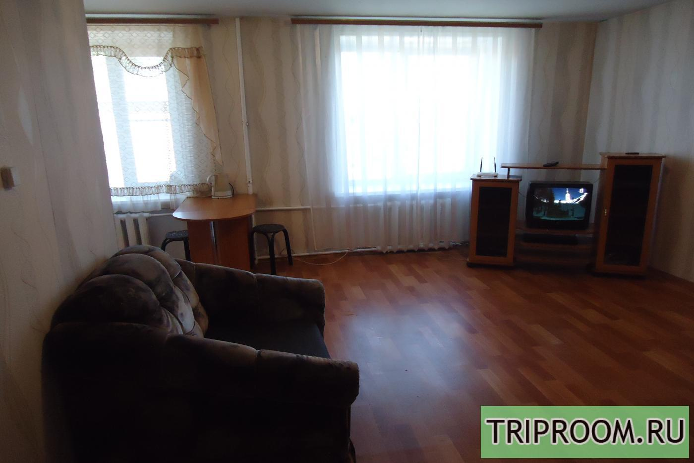 1-комнатная квартира посуточно (вариант № 10470), ул. Декабрьских Событий улица, фото № 1