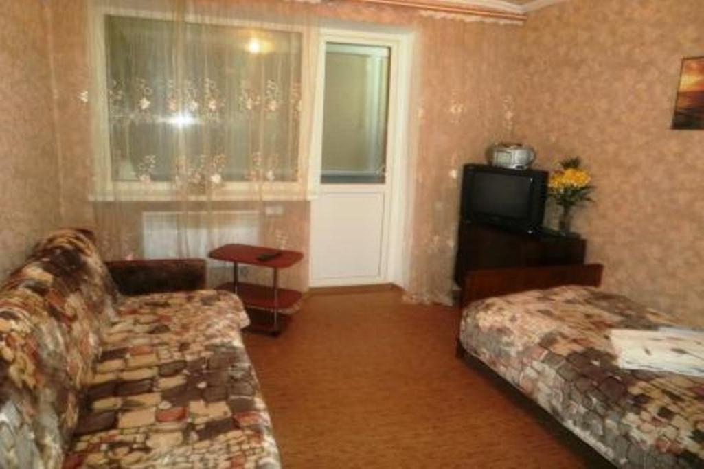 1-комнатная квартира посуточно (вариант № 2393), ул. Героев-Подводников улица, фото № 1