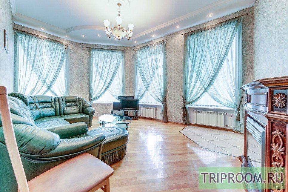 4-комнатная квартира посуточно (вариант № 55589), ул. Невский проспект, фото № 1