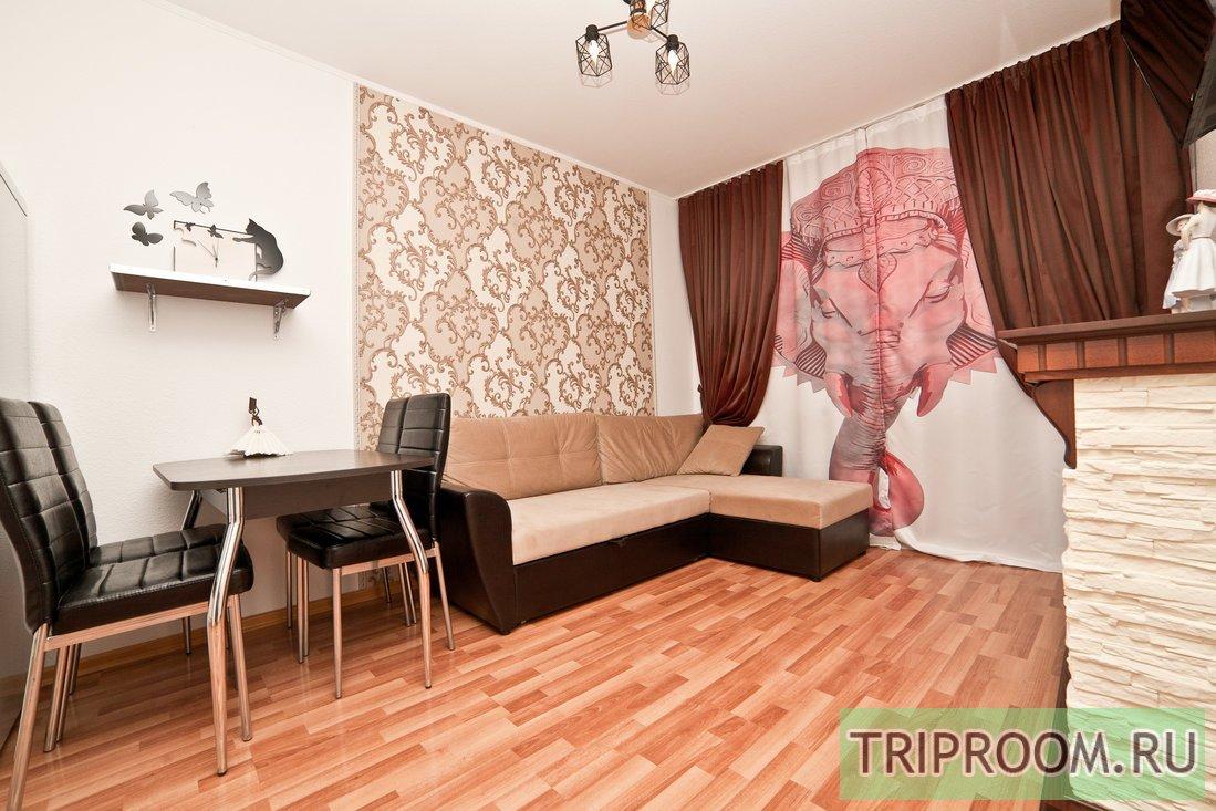 2-комнатная квартира посуточно (вариант № 60012), ул. Стачек улица, фото № 2