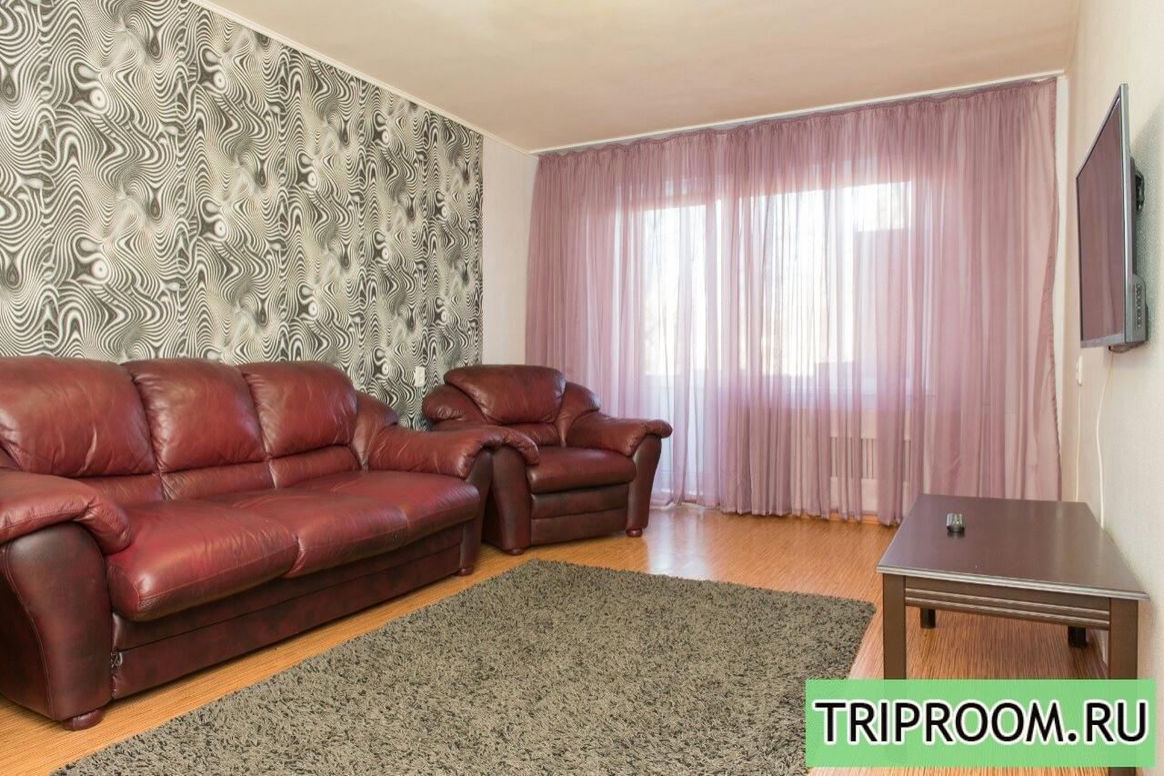 2-комнатная квартира посуточно (вариант № 12851), ул. Свердловский проспект, фото № 1