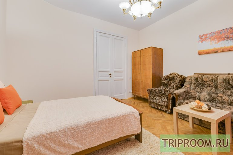 2-комнатная квартира посуточно (вариант № 44246), ул. Яблочкова улица, фото № 9