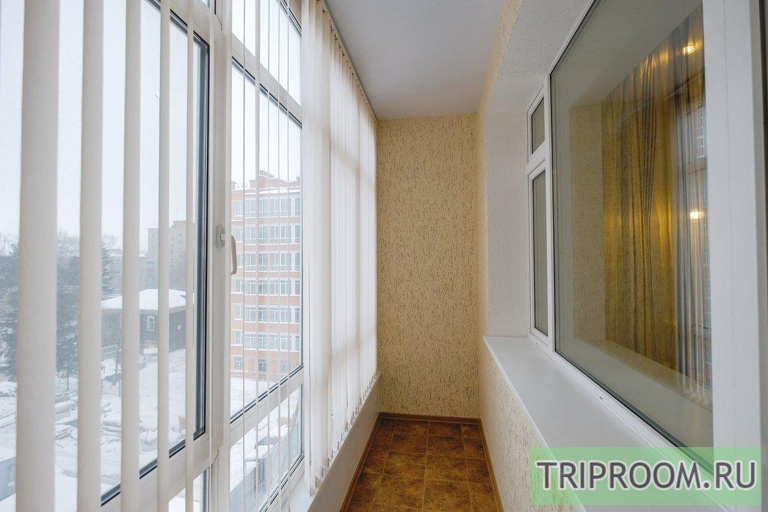 1-комнатная квартира посуточно (вариант № 55218), ул. Карташева улица, фото № 12