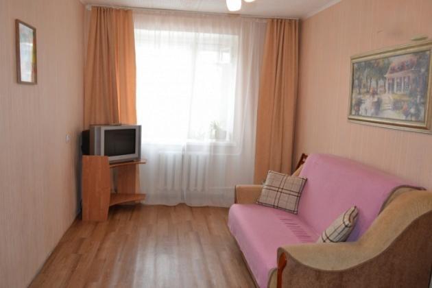 2-комнатная квартира посуточно (вариант № 3325), ул. Октябрьская улица, фото № 2
