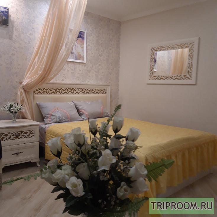 1-комнатная квартира посуточно (вариант № 10338), ул. Октябрьской Революции проспект, фото № 1