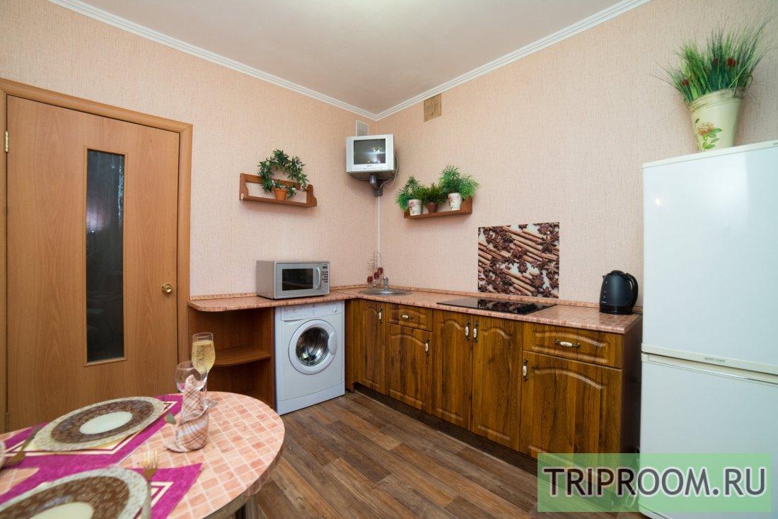 1-комнатная квартира посуточно (вариант № 6118), ул. Братьев Кашириных улица, фото № 8