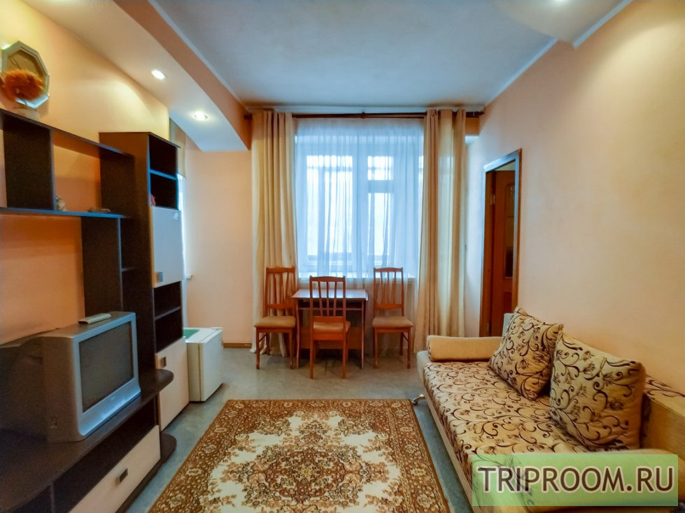 2-комнатная квартира посуточно (вариант № 60531), ул. Комсомольский проспект, фото № 1