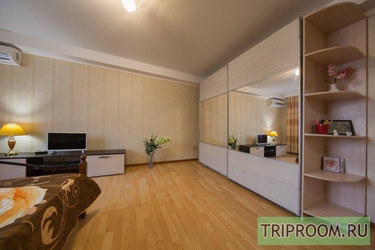 1-комнатная квартира посуточно (вариант № 48824), ул. Рождественская Набережная, фото № 1