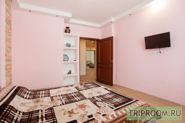 3-комнатная квартира посуточно (вариант № 1242), ул. Островского улица, фото № 9