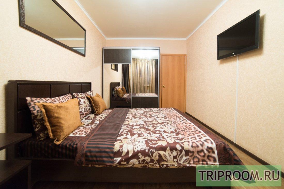 1-комнатная квартира посуточно (вариант № 6118), ул. Братьев Кашириных улица, фото № 1