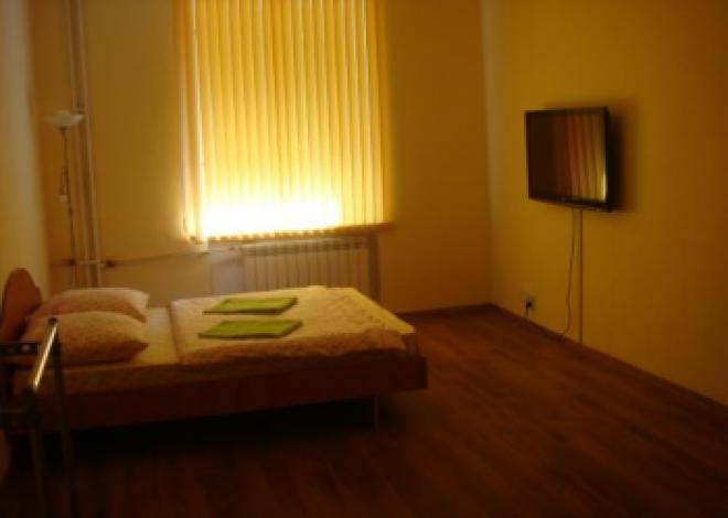 3-комнатная квартира посуточно (вариант № 190), ул. Куйбышева улица, фото № 4