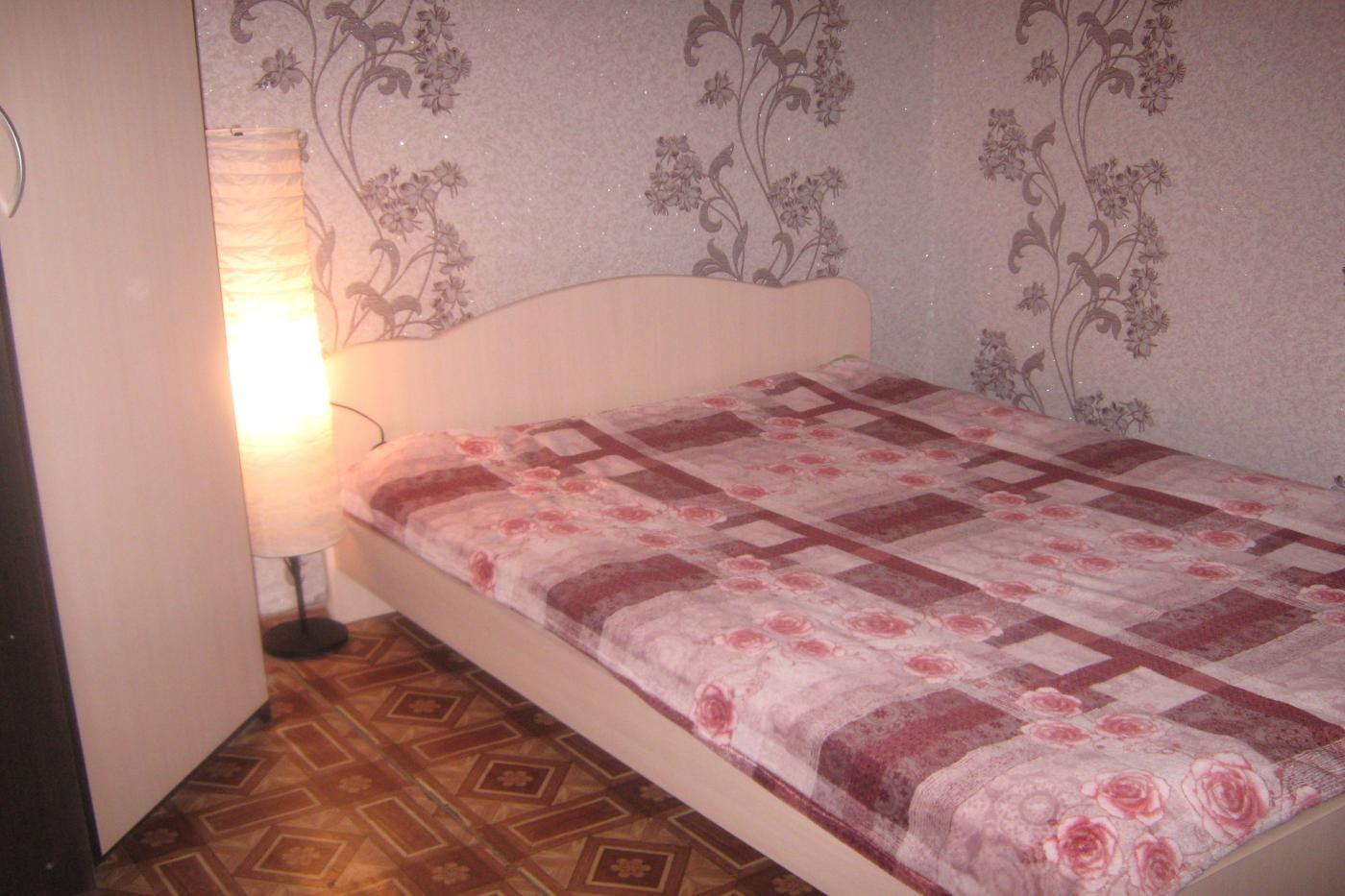 1-комнатная квартира посуточно (вариант № 2757), ул. Революции улица, фото № 3