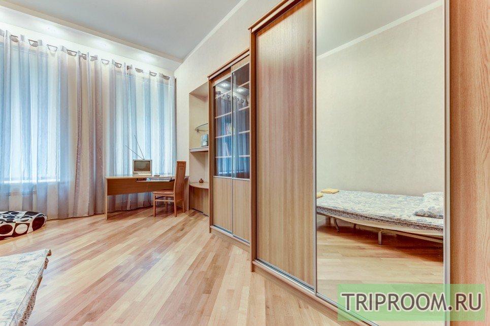 4-комнатная квартира посуточно (вариант № 55589), ул. Невский проспект, фото № 5