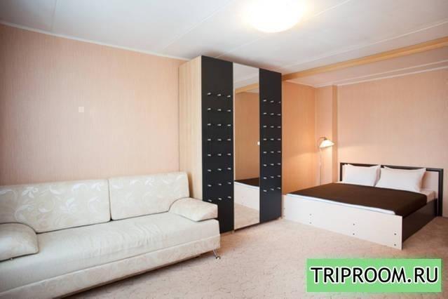 1-комнатная квартира посуточно (вариант № 7944), ул. Архитектора Власова улица, фото № 1