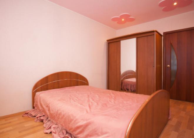 3-комнатная квартира посуточно (вариант № 212), ул. Российская улица, фото № 4