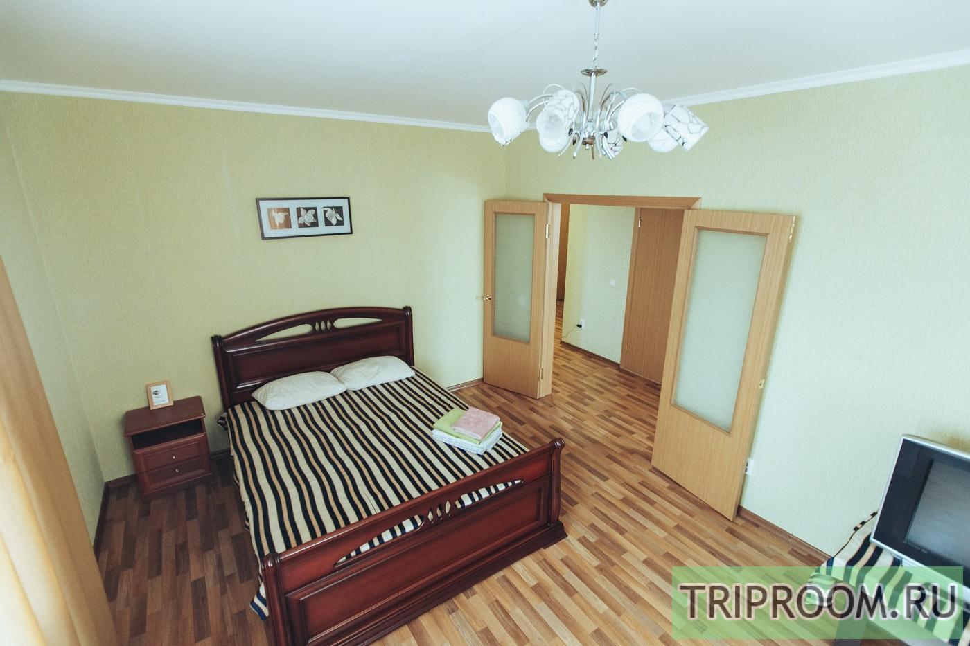 1-комнатная квартира посуточно (вариант № 30979), ул. Петра Смородина улица, фото № 1
