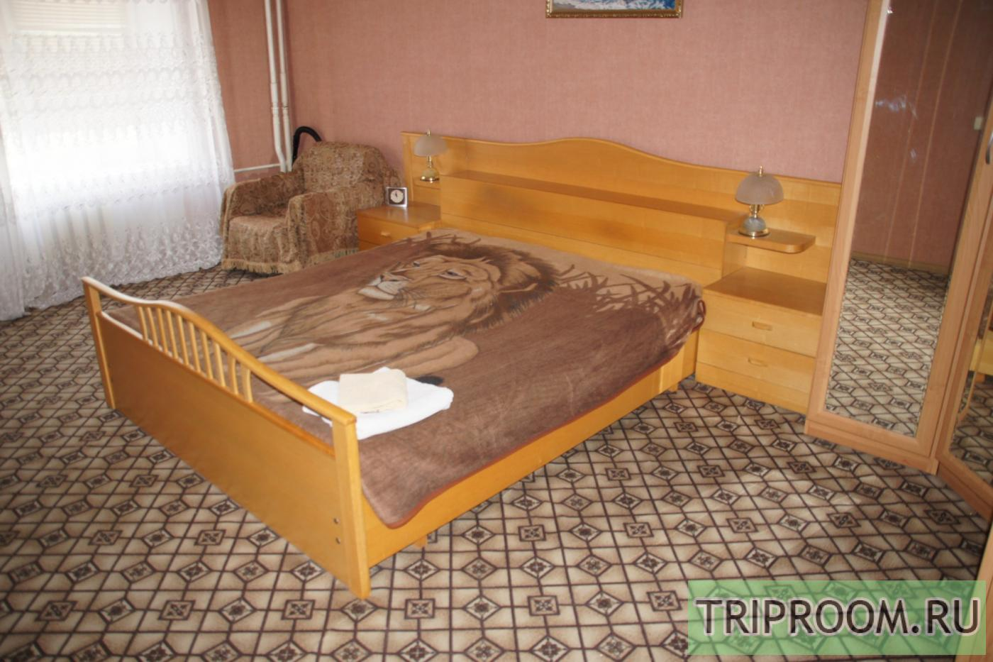 2-комнатная квартира посуточно (вариант № 20151), ул. Комсомольская улица, фото № 1