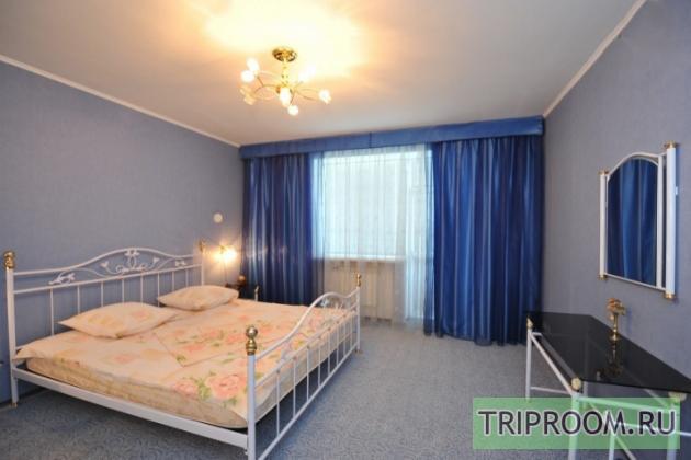 3-комнатная квартира посуточно (вариант № 7750), ул. Маршала Чуйкова улица, фото № 2